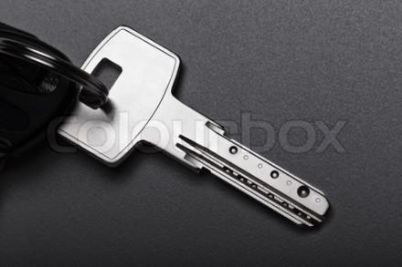 kunci mobil di surabaya kota